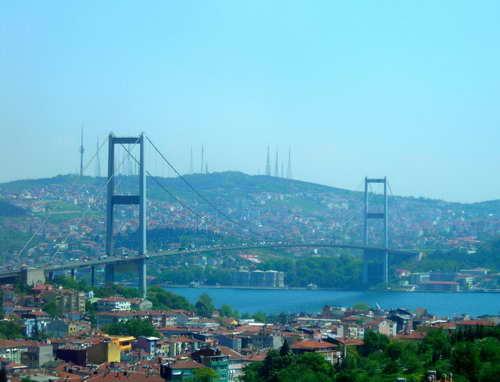 伊斯坦布尔博斯普鲁斯海峡大桥图片