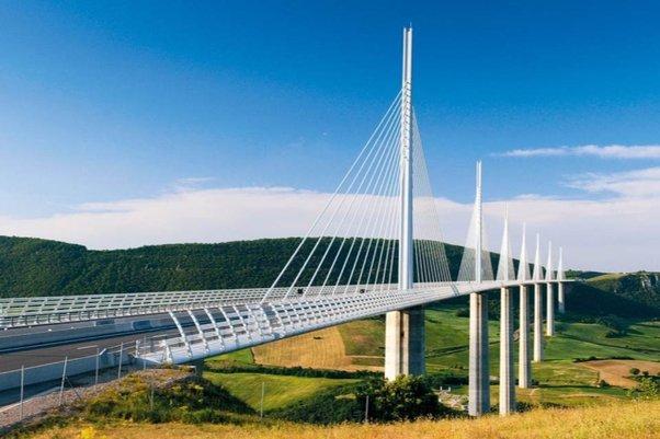 法国高速铁路桥梁桥墩结构