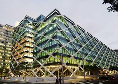 时评:钢结构建筑成为生命的庇护所