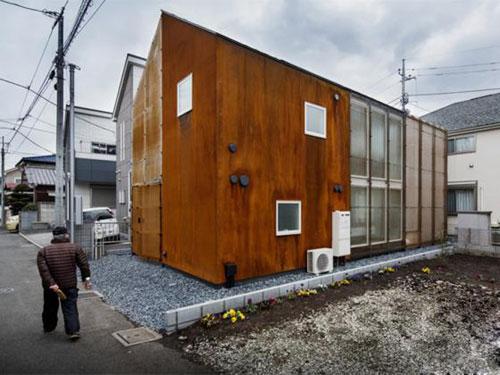 东京三角形屋顶住宅