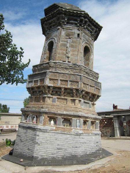 辽宁省葫芦岛市绥中县前卫镇斜塔建于辽代,又名瑞州古塔,现存塔