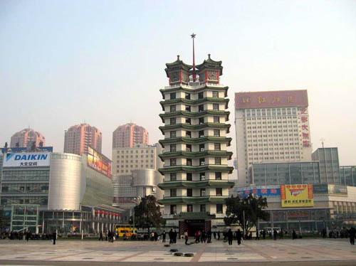 h;—二七纪念塔