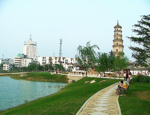 教授晚年设计的以宋代文物方塔为主题的松江方塔园