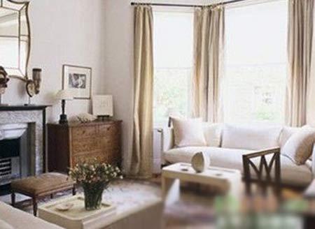 巧饰三面凸窗 打造10种不同的装修效果; 巧饰三面凸窗 同一客厅打造1